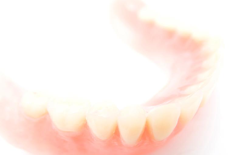 歯の神経を残したまま虫歯を治療できる「ドックベストセメント」